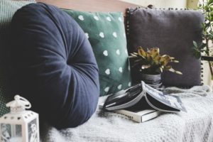 ドーナツ枕とクッション